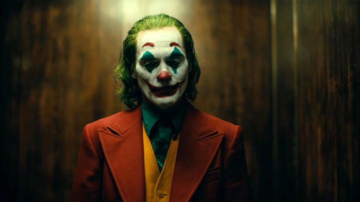 Joker (2019) review: controversial content in film & tv is a GOODthing